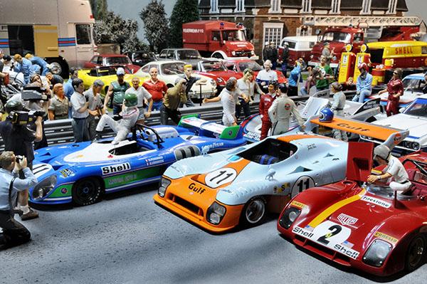 Départ course voiture miniature
