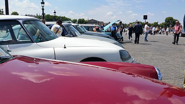 Regroupement de voitures DS Paris